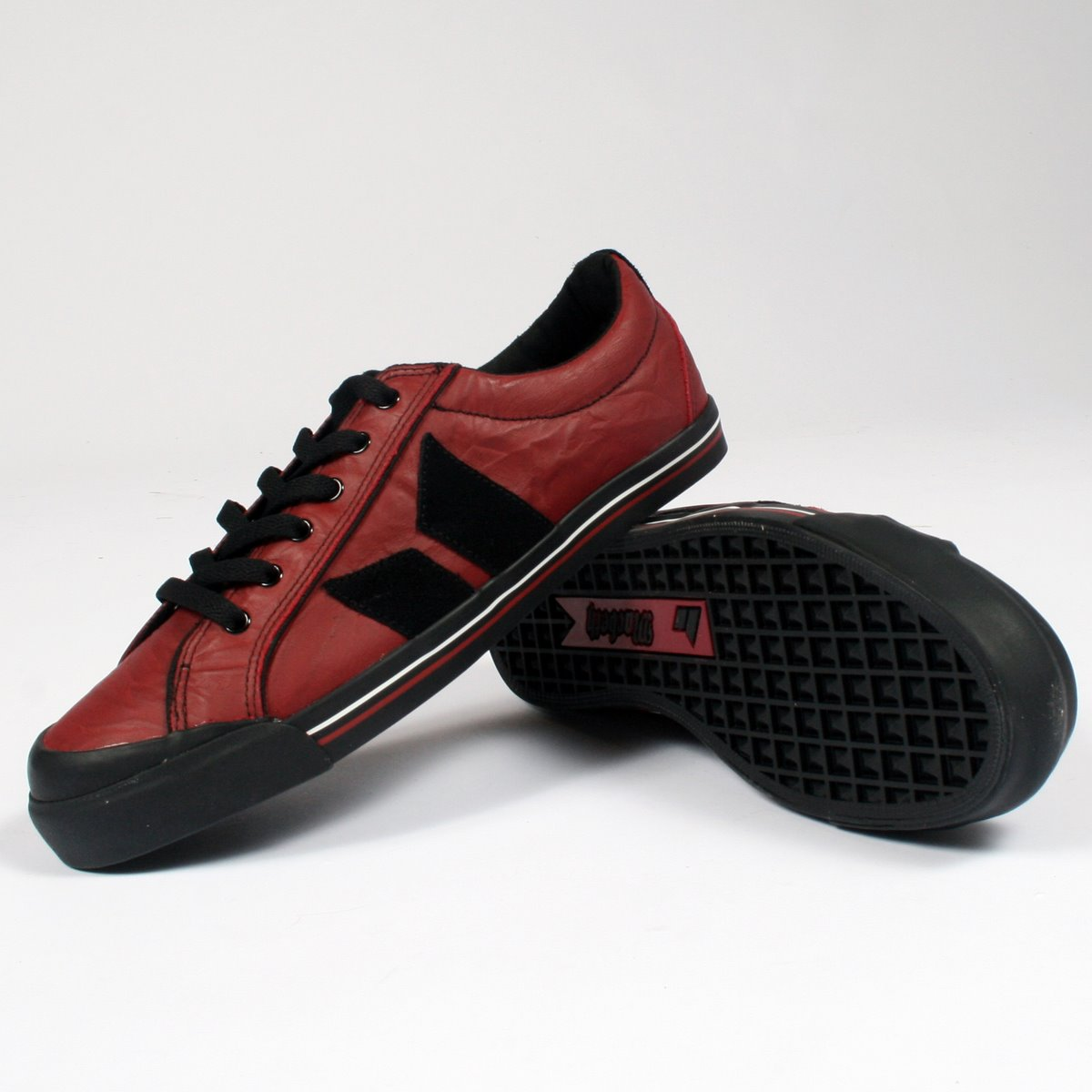 Eliot Premium Mens Shoes In Red/Black - Wrinkled By ...