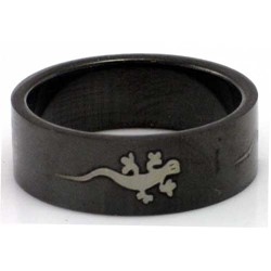 Blackline Gecko Design Stainless Steel Ring by BodyPUNKS (RBS-011)