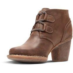 Clarks - Womens Carleta Lyon Low Boot